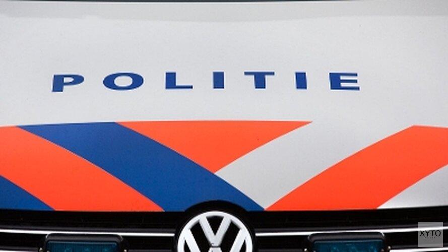 Dronken man springt voor rijdende politieauto in Uitgeest