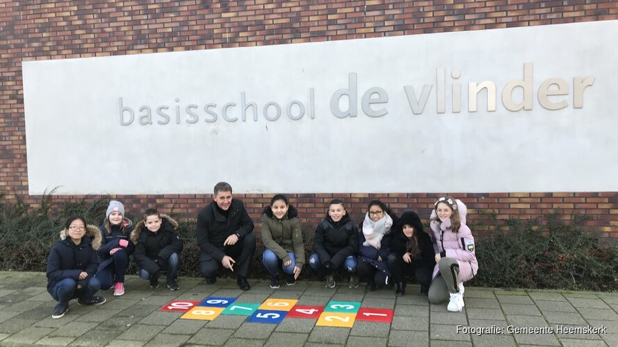 Pleinplakker The Daily Mile aangebracht rond basisscholen Heemskerk