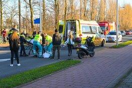 Scooterrijder met spoed naar het ziekenhuis na aanrijding