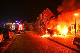 Politie zoekt getuigen autobrand