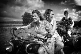 Fotoboek Thuis. Een kleurrijk inkijkje in het gewone Nederlandse huishouden in een bijzondere tijd
